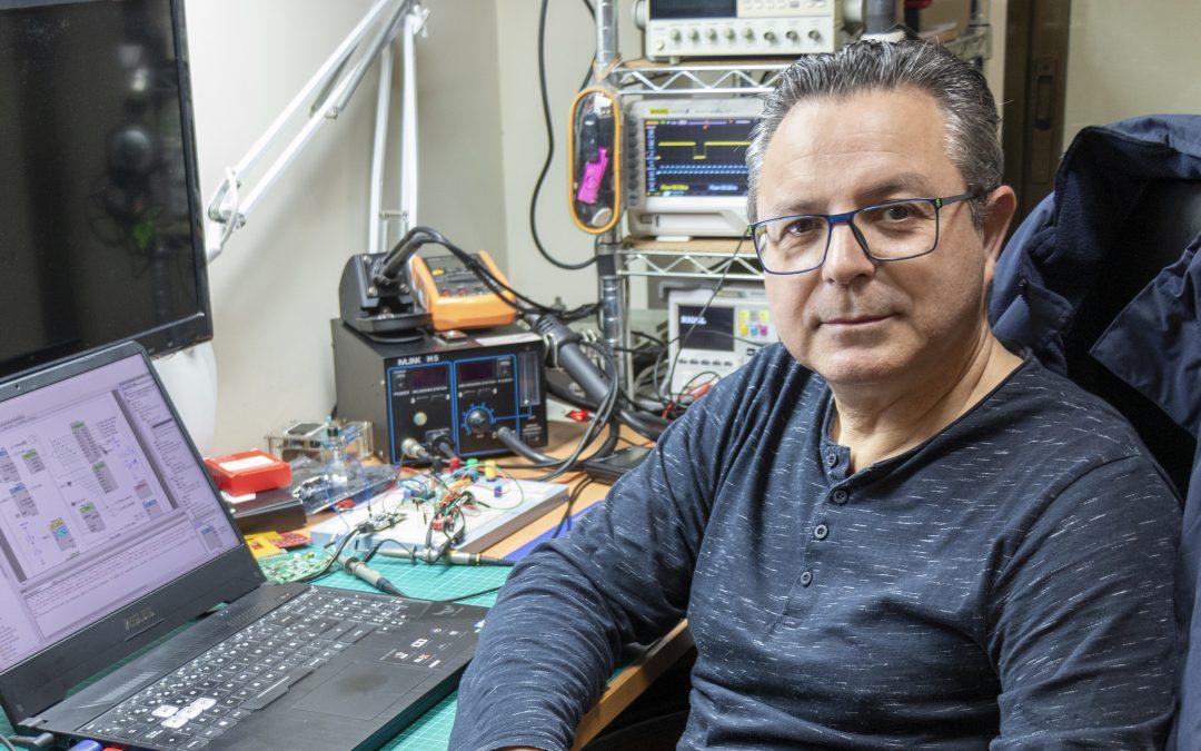 Javier Martínez comparte su experiencia en Onda Cero Gandia como ingeniero de telecomunicaciones